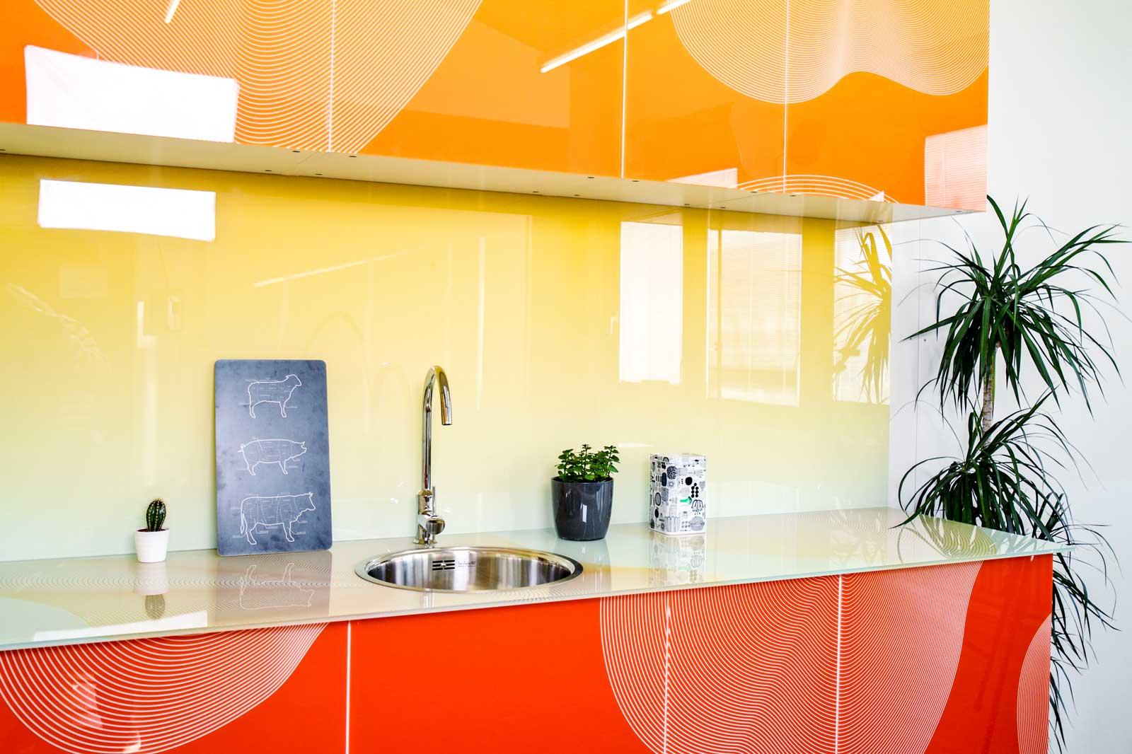 Bedrucktes Glas in der Küche - für Kücheneinrichter