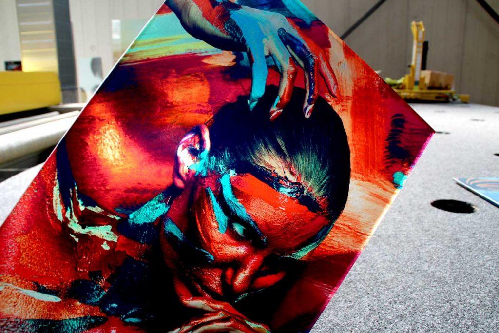 Kunst auf Glas bedruckt von Glavort